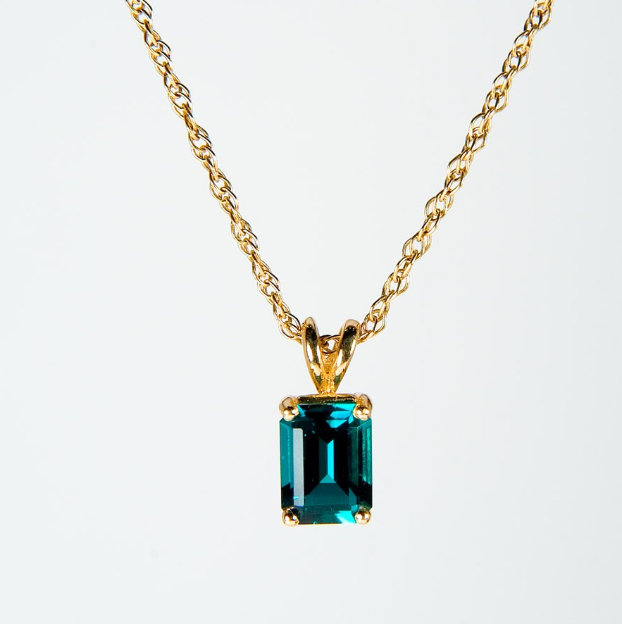 C5 to give away emerald pendant c5 to give away emerald pendant aloadofball Choice Image